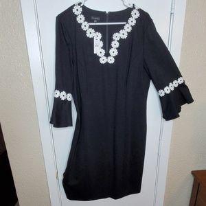 Black Knee-length V-Notched Neck Ivory Floral Dres